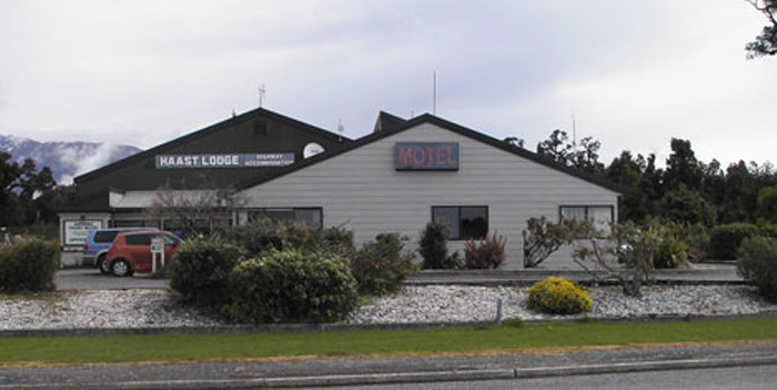 Haast Lodge, Backpackers, Motel and Motor Park
