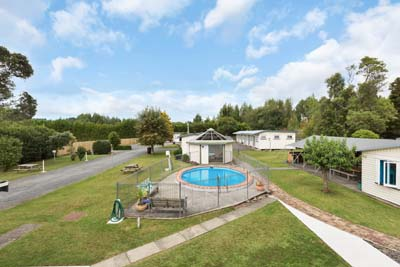 Whangarei Falls Holiday Park & Backpackers